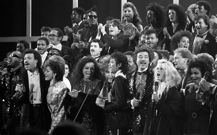 Stars Singing at Awards Show