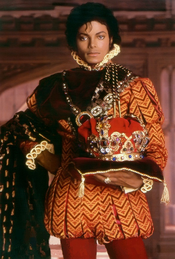 -PORTRAIT-OF-A-KING-michael-jackson-33593148-583-863
