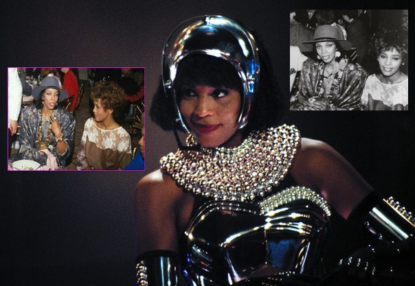 Whitney-Houston-in-The-Bodyguard_gallery_primary