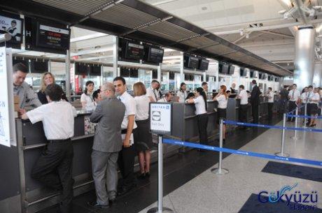 united-airlines-dan-sefer-oncesi-tatbikat-268