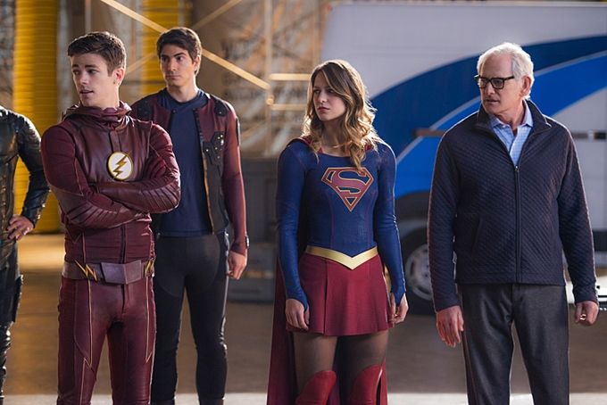 Barry_Allen_Grant_Gustin_Ray_Palmer_Brandon_Routh_Supergirl_Melissa_Benoist_and_Martin_Stein_Victor_Garber