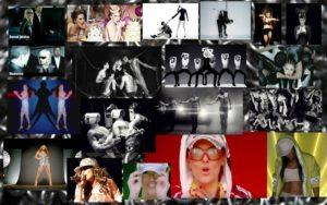 """DEMET AKALIN: Demet Akalın da klip ve kostümlerinde Jennifer Lopez, Kylie Minogue, Madonna, Mariah Carey gibi yabancı starları taklit edenlerden… Mesela """"Koltuk"""" klibinde adeta bir J.Lo olmuş. """"Kalbimdeki İmza"""" klibinde ise Madonna'nın """"Human Nature"""" ve """"Girl Gone Wild"""" kliplerinden esinlenme var. Siyah beyaz efektlerle yarı çıplak erkek dansçılar, zincirler, sado mazoşist görüntüler falan… Hazır konu Demet Akalın'dan açılmışken, Rising Star Türkiye'ye değinmek istiyorum. Acaba yarışmacıları eleştirirken Demet Akalın, Gülben Ergen, Mustafa Sandal kendi canlı performanslarına bakıyorlar mı? Seslerinin yeterli olduğunu düşündükleri için mi jüri oldular? Fuat Güner bence hiç bu kadroya yakışmamış. Nedeni Fuat Güner'in diğer isimlerin yanında fazla kaliteli ve iyi kalmış olması… Fuat Güner güçlü sesiyle hala bu yaşta sahnede canlı performansında harikalar yaratabilir ama diğerlerinin playback yapması gerekiyor… Fuat Güner'in yerine Sinan Akçıl'ı filan alsalarmış bari… Sanıyorum Hülya Avşar'dan cesaretlendiler. Bir gün inşallah babayiğit bir yarışmacı """"Siz kendi seslerinize bakın, sahneye çıkın da vokal yarışı yapalım. Kim daha çok detone olacak?"""" der de içim rahatlar. Bu ne özgüven valla?.."""