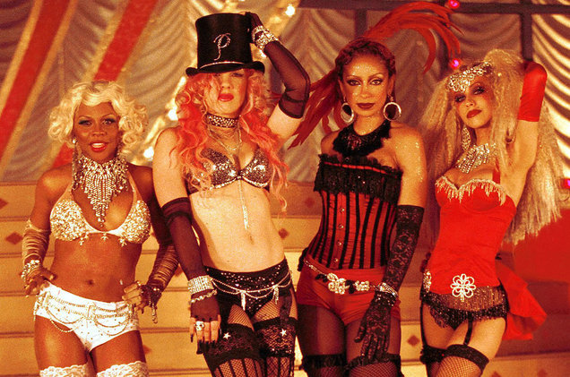 Lil-Kim-Pink-Mya-Christina-Aguilera-video-shoot-2-billboard-1548